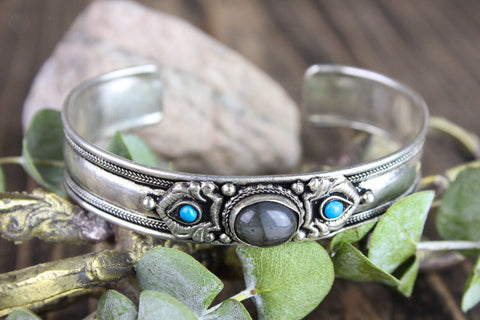 Labradorite and Turquoise Traditional Bracelet