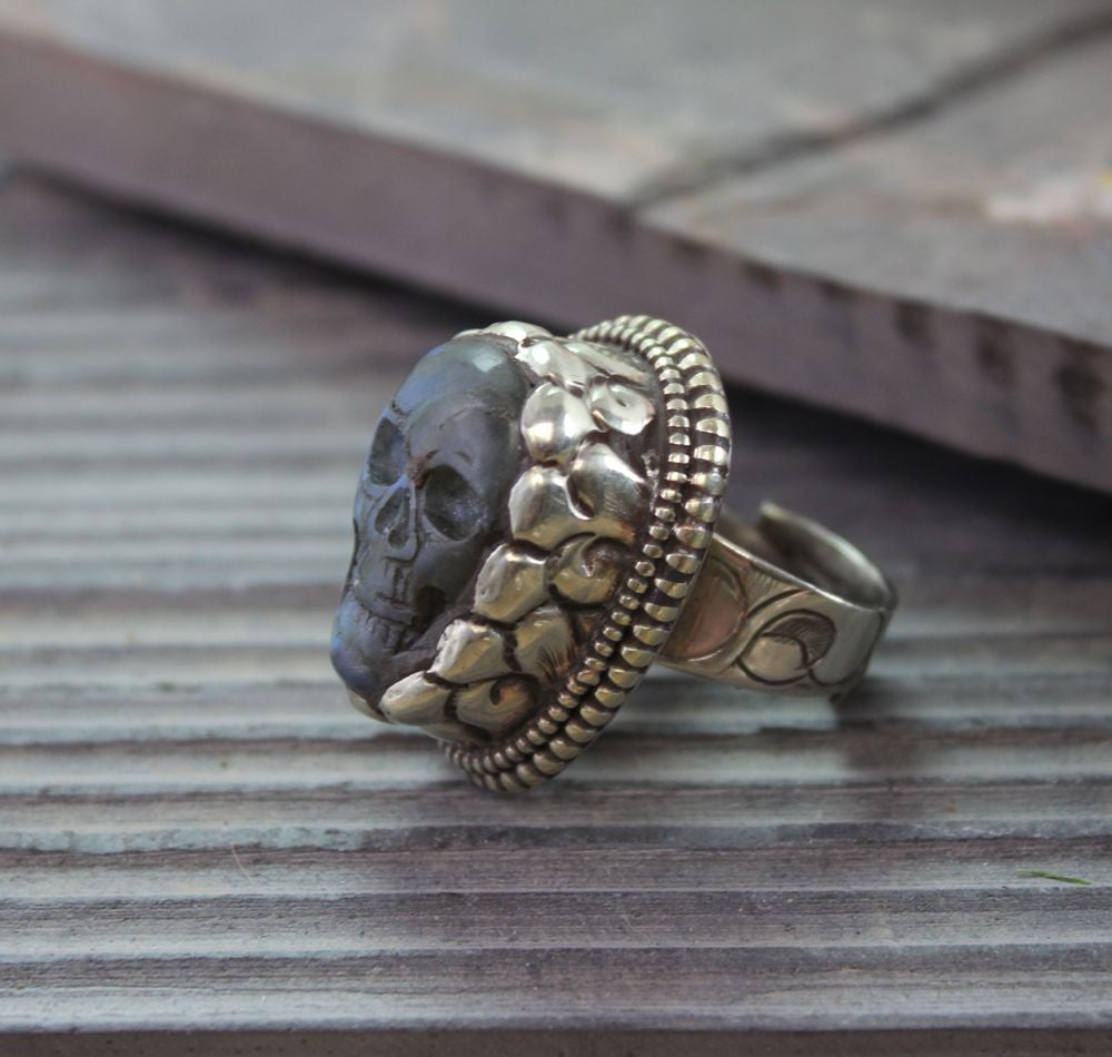 Amazing Mens Hand Carved Tibetan Skull Ring