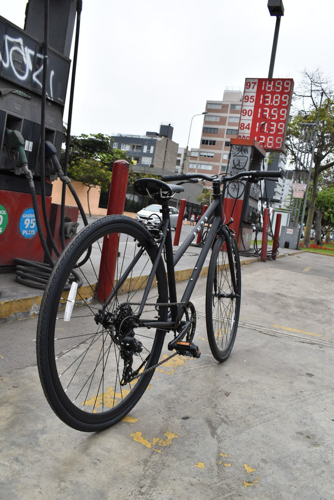 Commuter Black