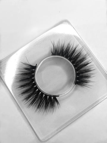 Luxurious handcrafted 3D silk lashes - Famous