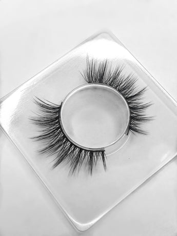Luxurious handcrafted 3D silk lashes - Fiesty