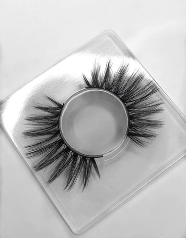 Luxurious handcrafted 3D silk lashes - Setara