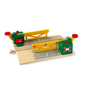 BRIO Tracks - Magnetic Action Crossing