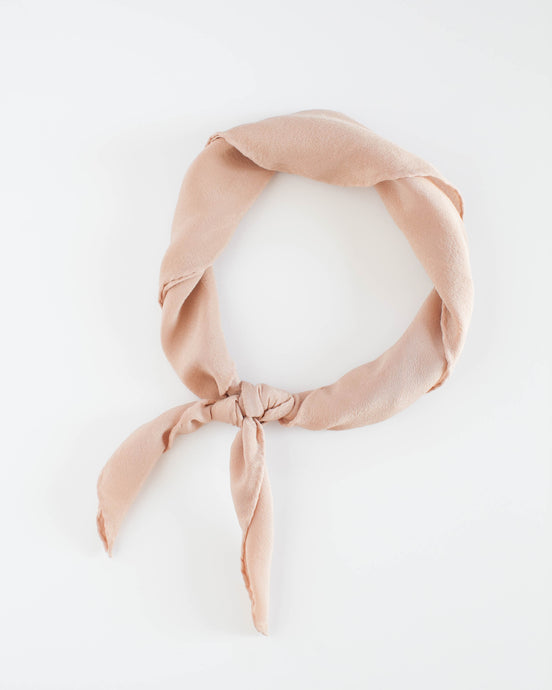 'The Scout' in Peach
