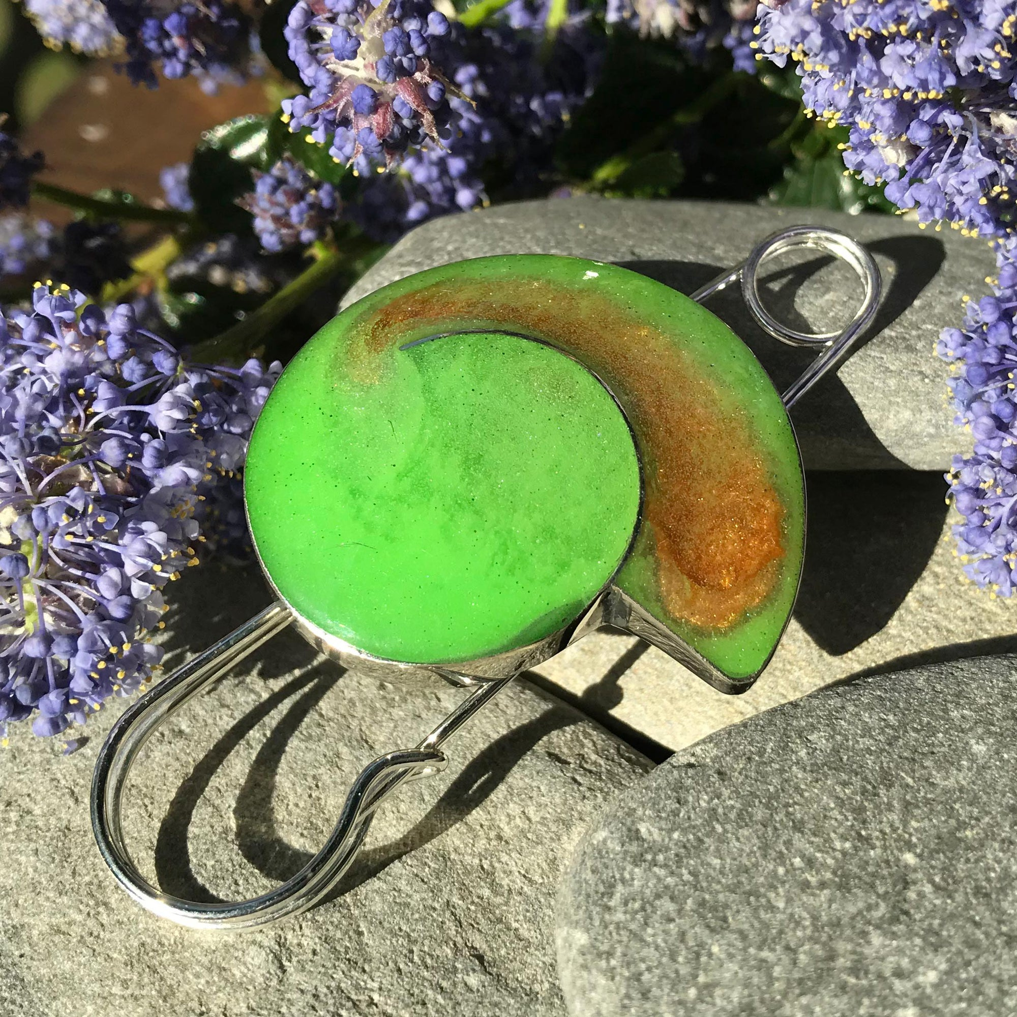 Handmade Resin Bright Green Shell Shape Pin