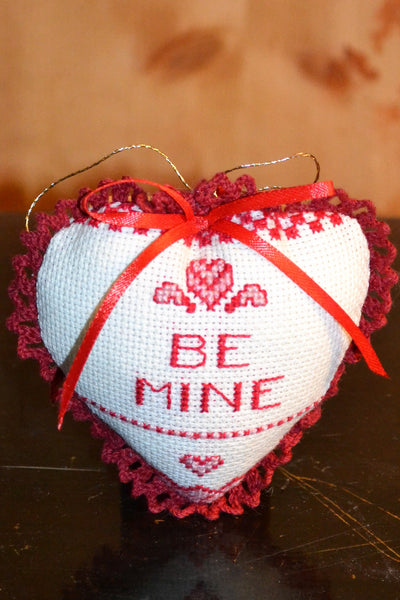 Cross-Stitched Pocket Hearts - Country Craftworks