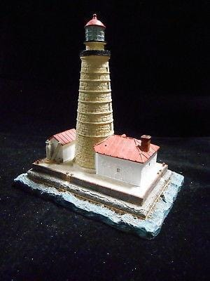 Harbour Lights Lighthouse Spectacle Reff, MI #182 FREE SHIP 48 STATES CLEARANCE