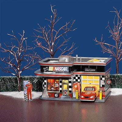 Dept 56 Snow Village Nascar Licensed Garage #55617 FREE SHIPPING 48 STATES
