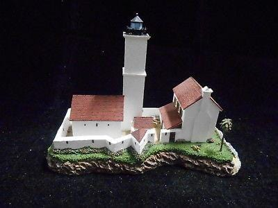Harbour Lights Lighthouse Rock Of Ages MI #271 FREE SHIPPING 48 STATES CLEARANCE
