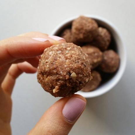 Low FODMAP Casa De Sante Chocolate Energy Balls Recipe