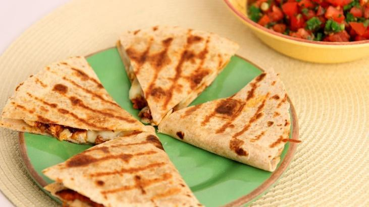 Low FODMAP Chicken Quesadilla Recipe