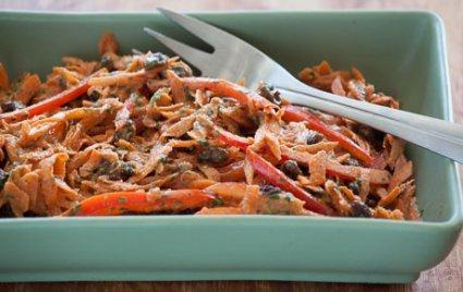 Low FODMAP Sweet & Spicy Carrot and Bell Pepper Salad Recipe