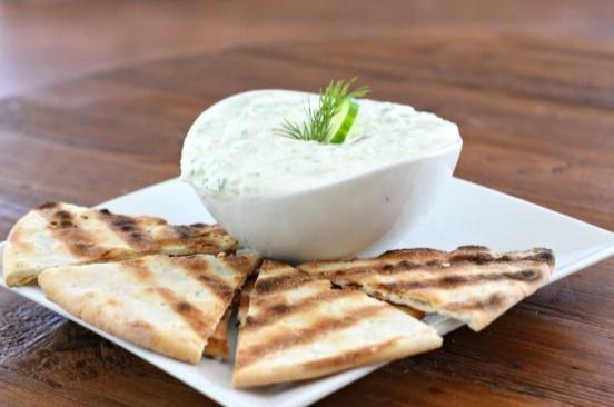 Low FODMAP GF Pita W/ Cucumber and Lemon Herb Tzatziki Recipe