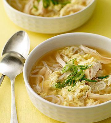 Low FODMAP Egg Drop Soup with Chicken and Noodles Recipe