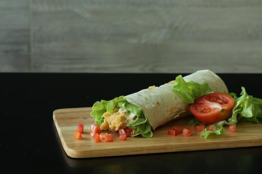 Low FODMAP Sun-Dried Tomato Salad Wrap Recipe