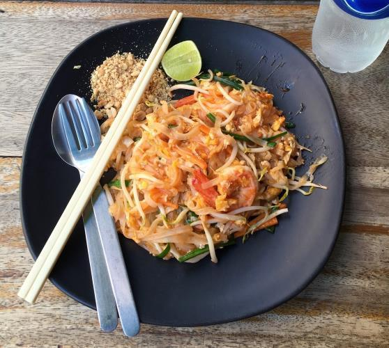 Low FODMAP Chicken and Shrimp Pad Thai Recipe