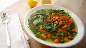 Low FODMAP Vegetable Soup with Carrots and Spinach Recipe