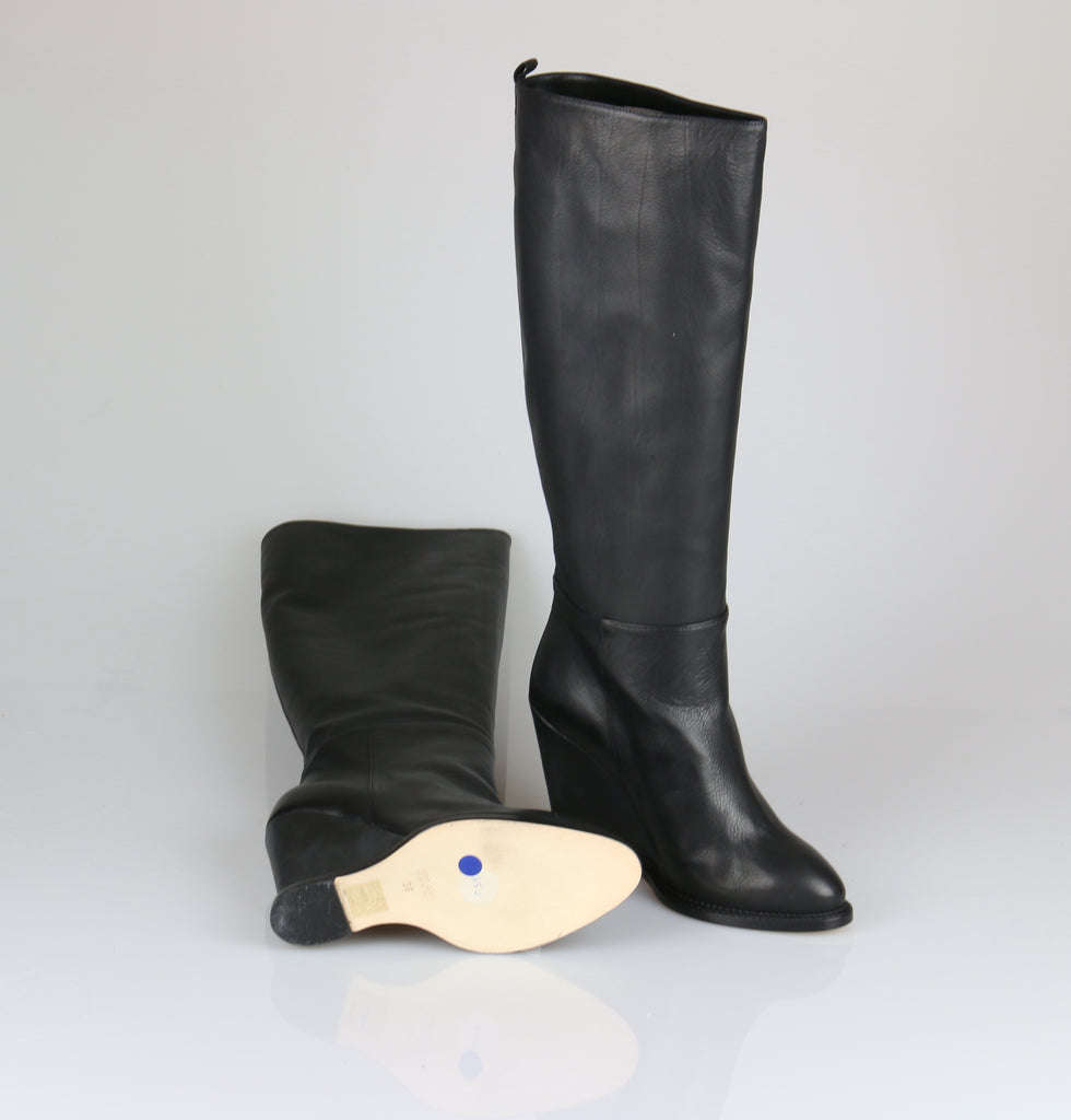 Scanlan & Theodore Black wedge leather boots