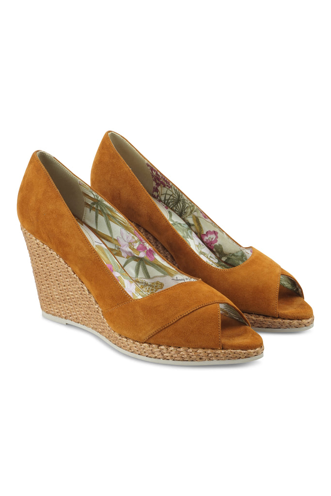 Salvatore Ferragamo Tan rafia wedges
