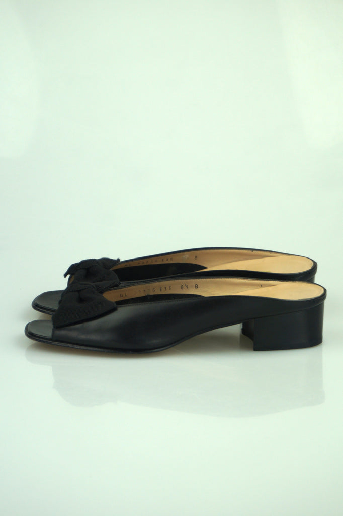 Salvatore Ferragamo Black open toe bow slides