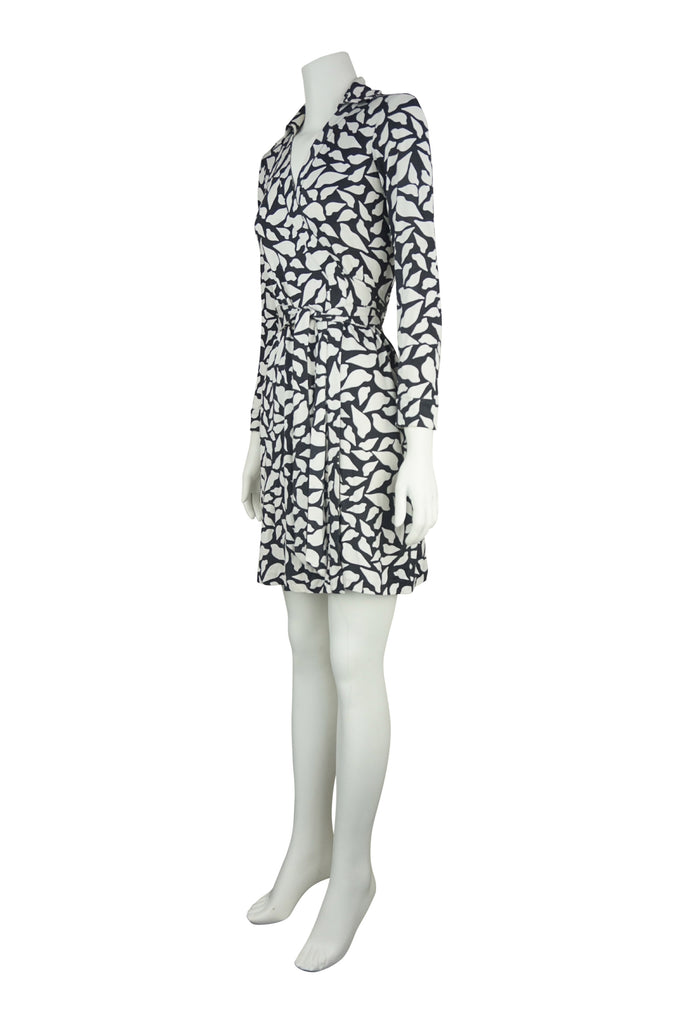 Diane von Furstenberg Collar print silk wrap dress