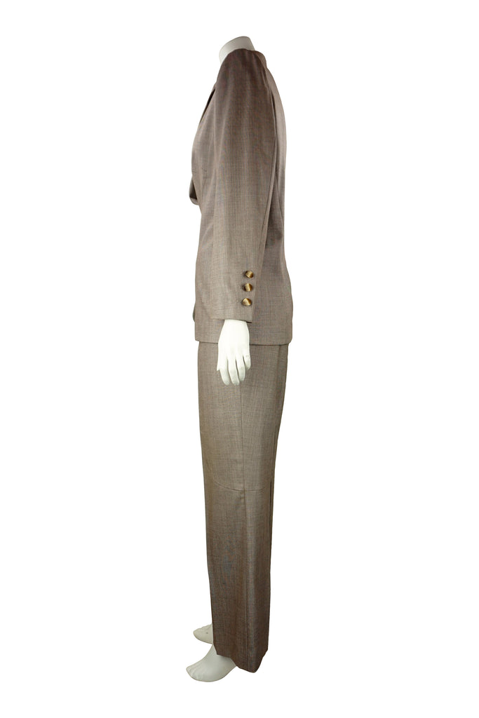 Escada Curved pant suit