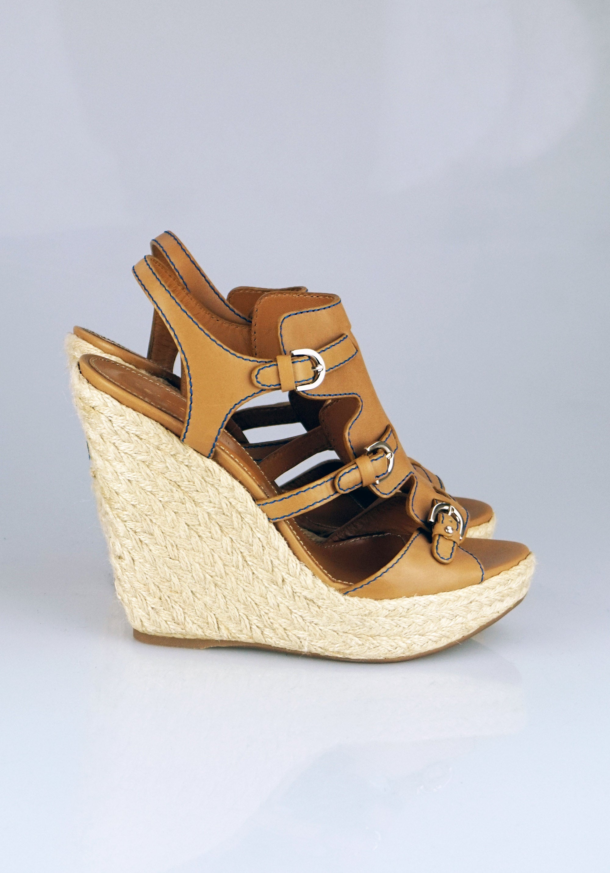 211ba653ee20 Sergio Rossi Wedges tan sandals – Revoir