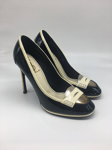 Black & white patent preppy pumps