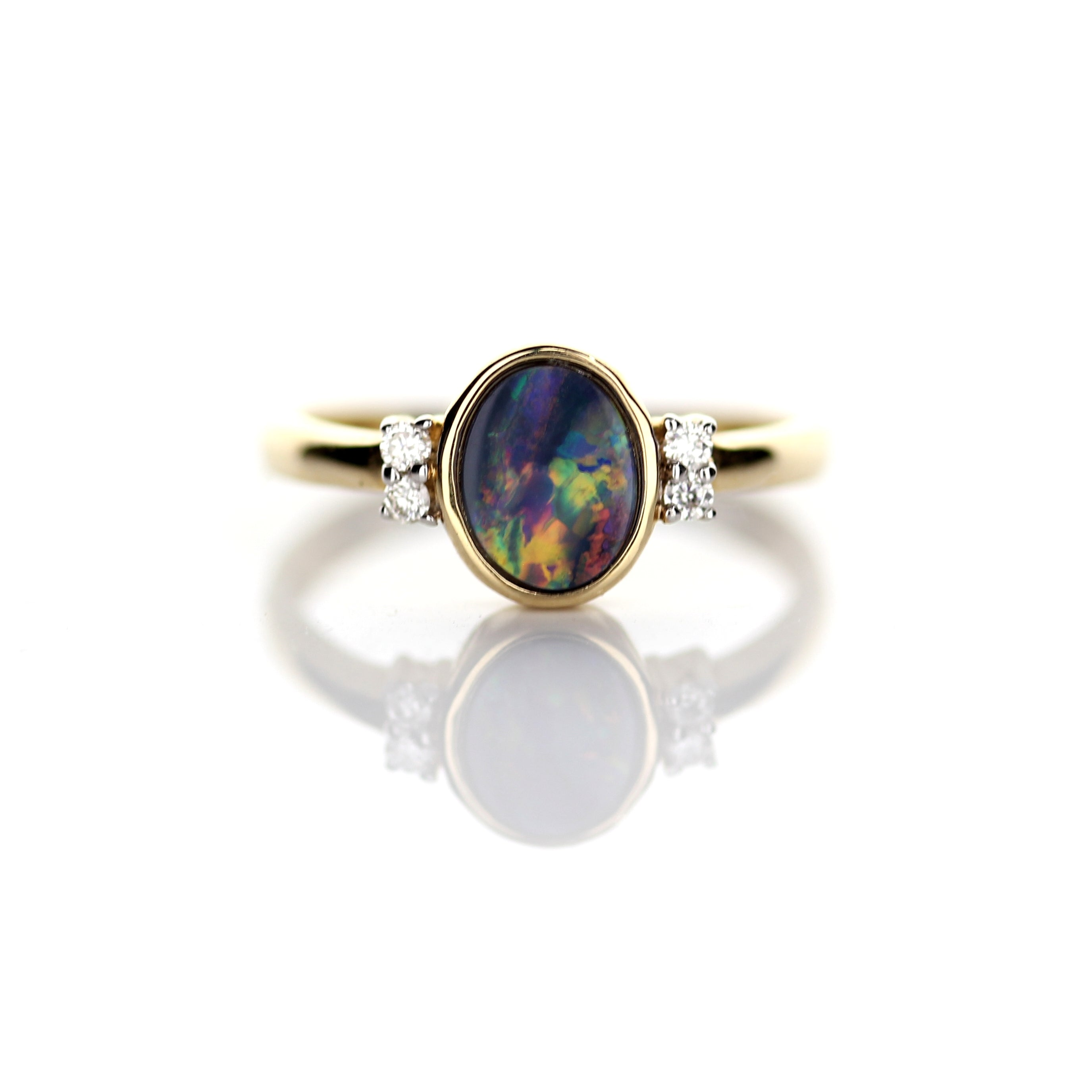 0.84ct Doublet Opal Ring
