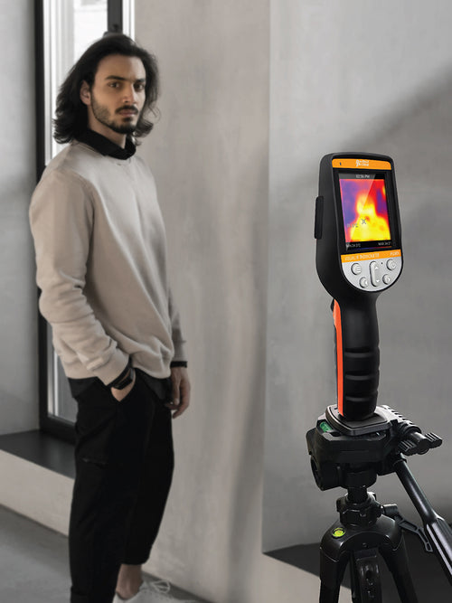 PerfectPrime Thermal camera IR0280H on a stand