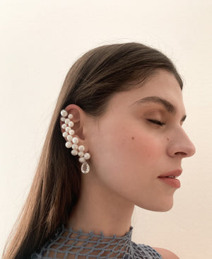 WHITE SERPENTINE EAR CUFF