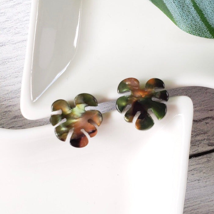 RESIN MONSTERA STUD EARRINGS