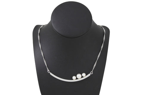 Pearl Necklace - White gold