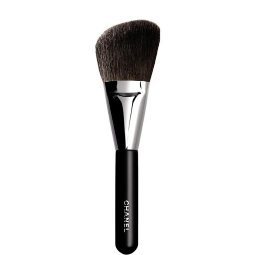 Chanel-Angled-Powder-Brush