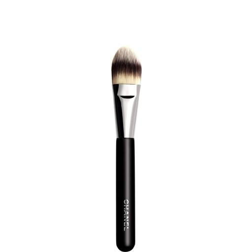 Chanel-Foundation-Brush-6