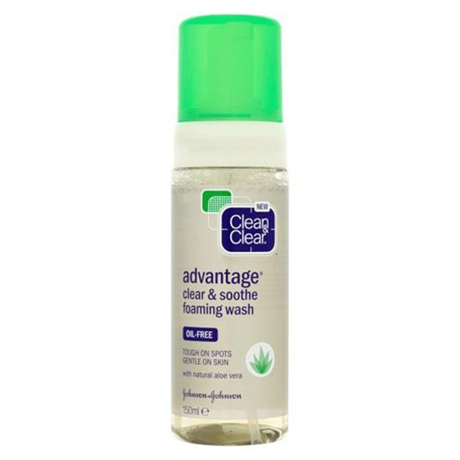 Clean & Clear Advantage Clear and Soothe Foaming Wash - Oil Free