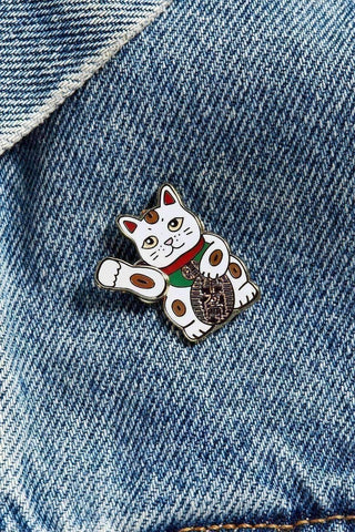 Image of Lucky cat pin