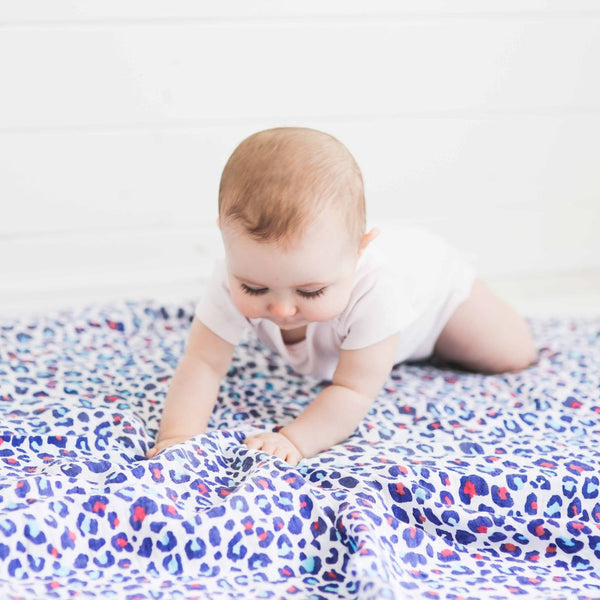 Etta Loves sensory 100% cotton muslins aid visual cognitive development babies monochrome stylish modern jen fuller