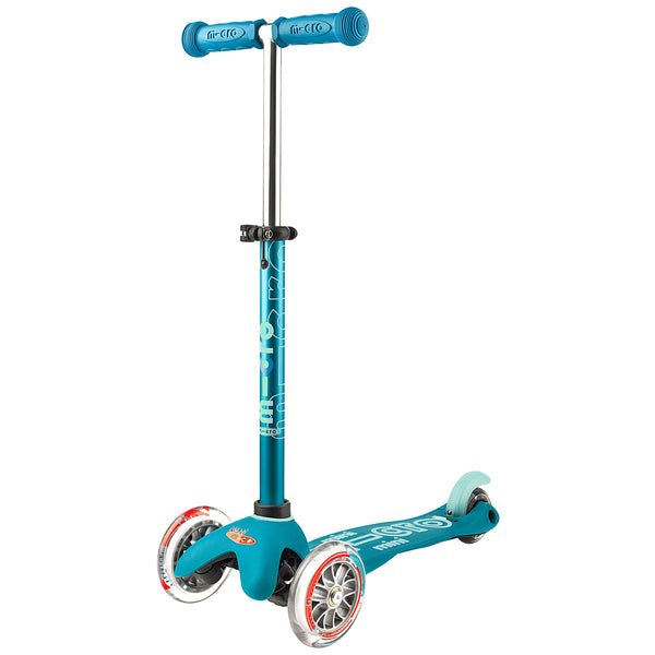 aqua Mini Micro Deluxe scooter by Micro Scooters suitable from 2 to 5 years. Free delivery. Discount for newsletter subscribers.