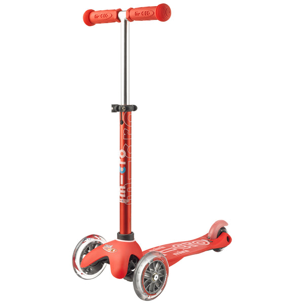 Red Mini Micro Deluxe scooter by Micro Scooters suitable from 2 to 5 years. Free delivery. Discount for newsletter subscribers.