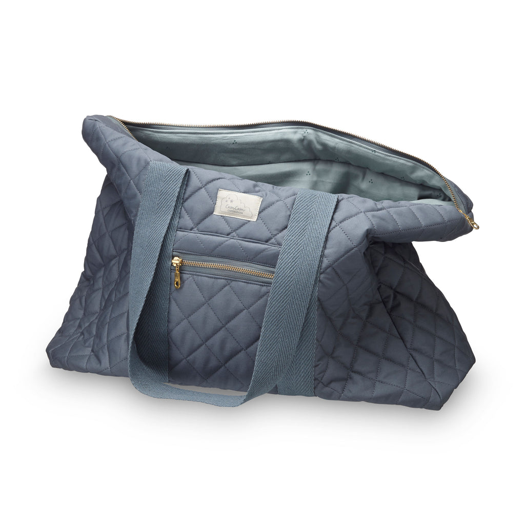 Beautiful charcoal organic cotton quilted weekend bag by Cam Cam Copenhagen. Loved by Pippa Middleton