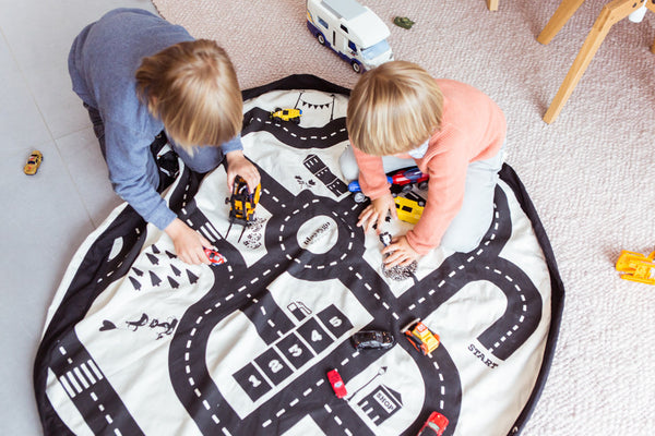 PLAY & GO Roadmap Black and White Monochrome Toy Storage Bag and Play Mat Modern Stylish Fun Interiors