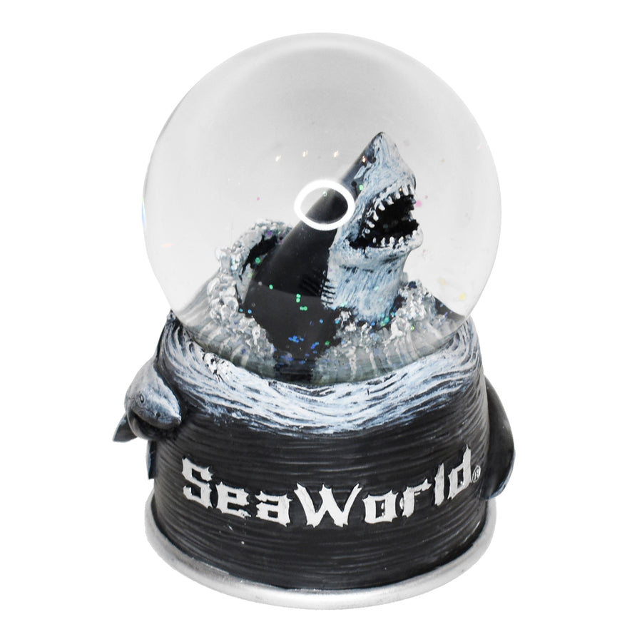 SeaWorld Great White Water Globe
