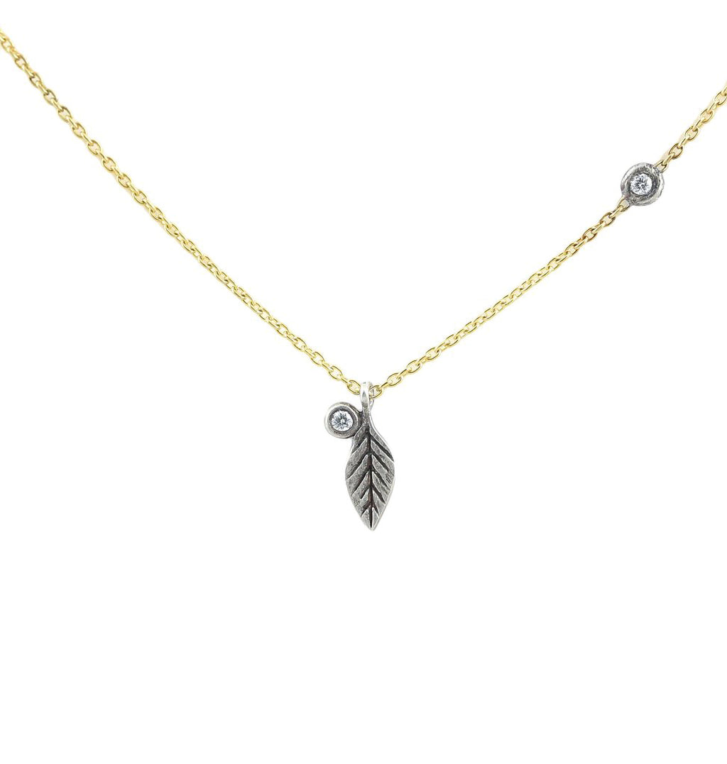 Feather Twinkle Necklace