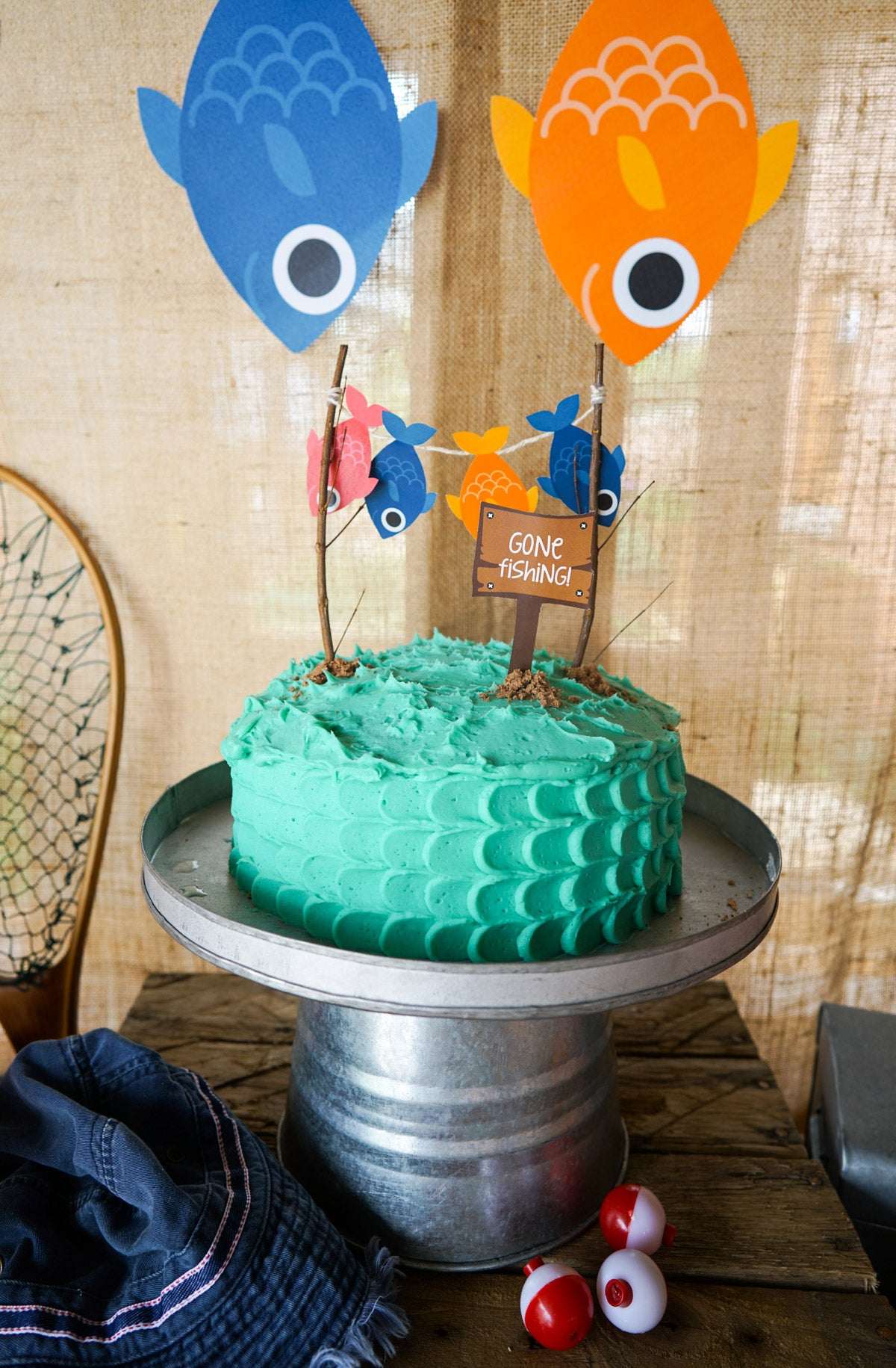 William 39 s gone fishing party sunshine parties for Gone fishing cake