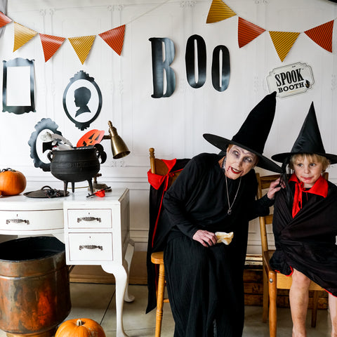 Halloween Haunted House Spook Booth Decor and Props | Halloween Spooky Photo Booth