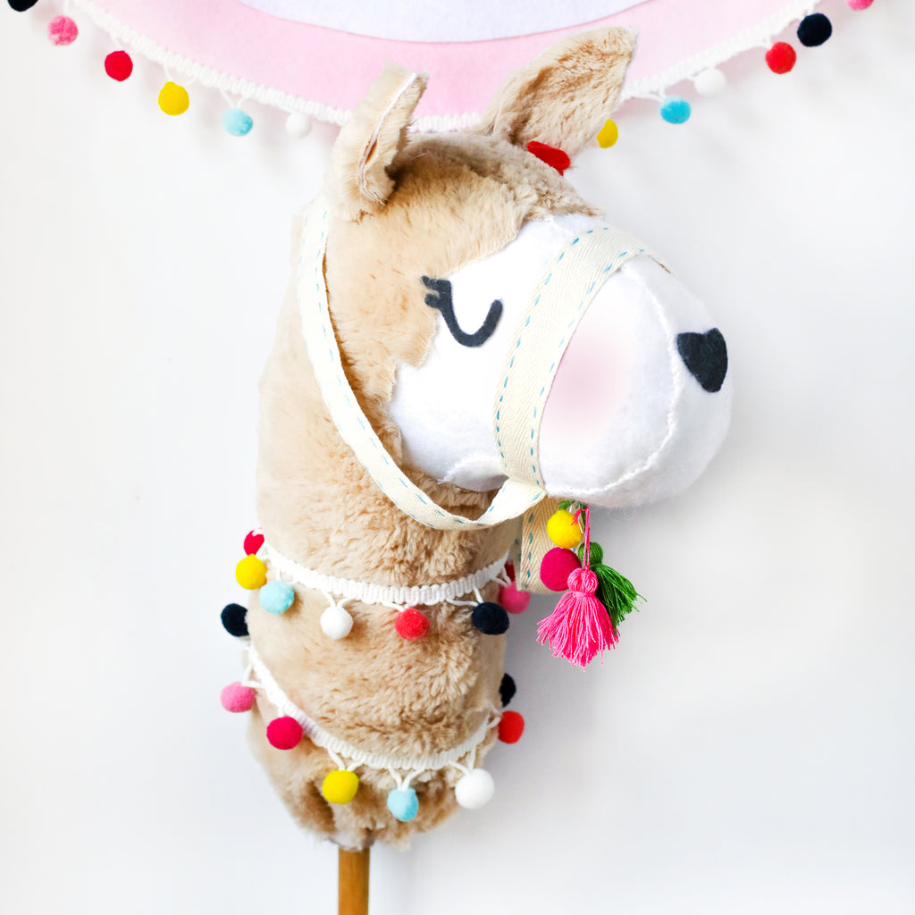 Llama hobby horse template and instructions