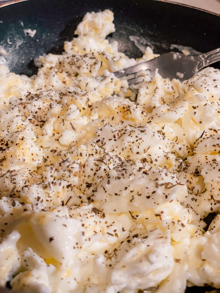 Scrambled eggs - Fluffy, Flavorful, and Light