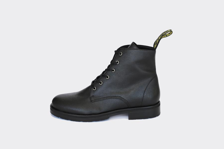 Blaze Boot in Apple Leather from Good Guys