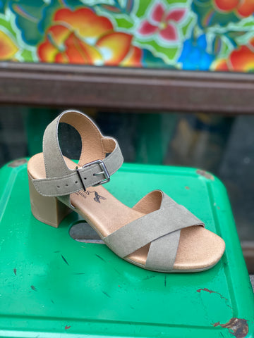 Chenoa Heeled Sandal in Taupe from Novacas
